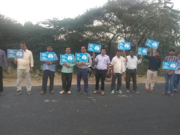 human chain for the message of water and nature conservation-rally for rivers