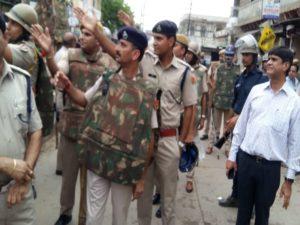 गंगापुर सिटी में दांगों की स्थिति के बाद एसपी सुधीर चौधरी व अन्य अधिकारियों ने मोर्चा संभाला